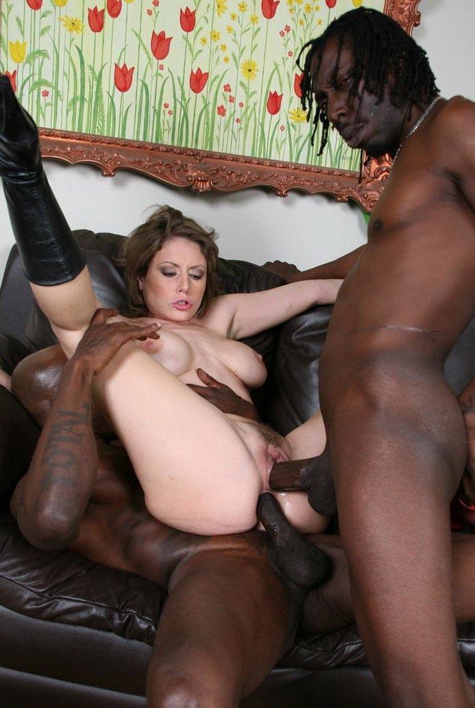 Порно с лысый негритоской жестко одна