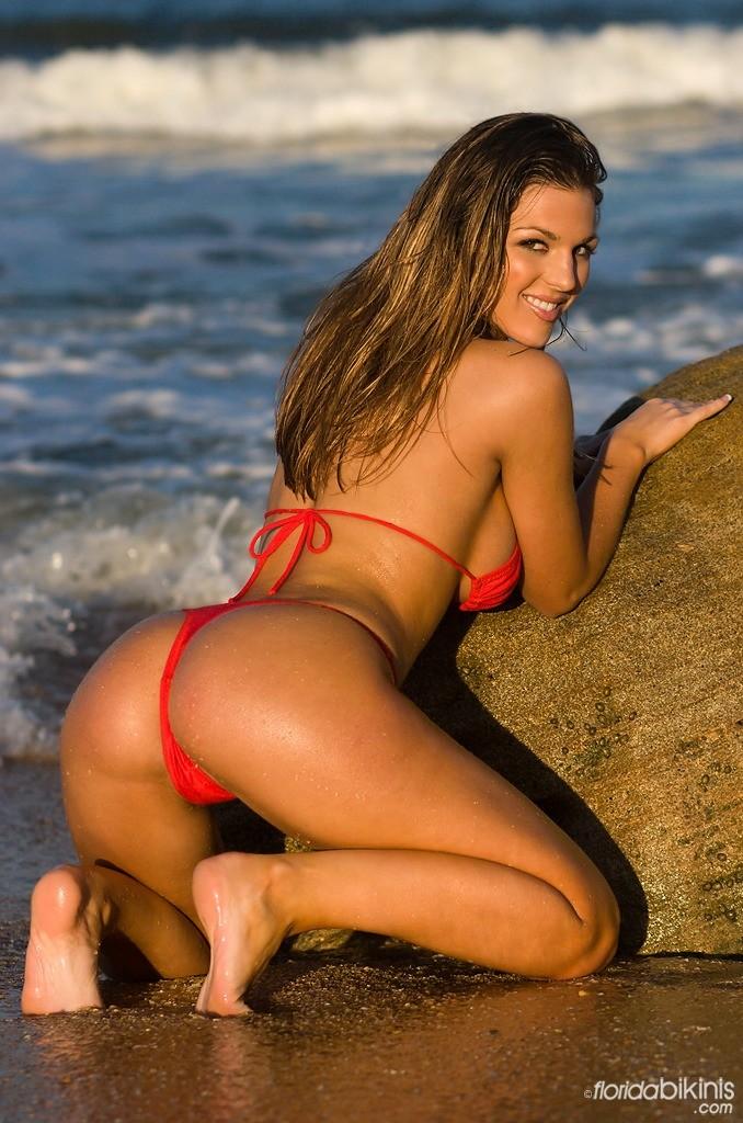 sexiest-thong-bikini-my-cock-in-her-mouth