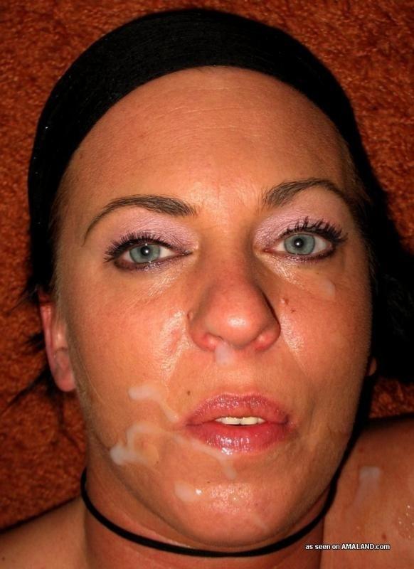 Взрослая женщина позволяет мужу баловаться с задницей и кончать на лицо