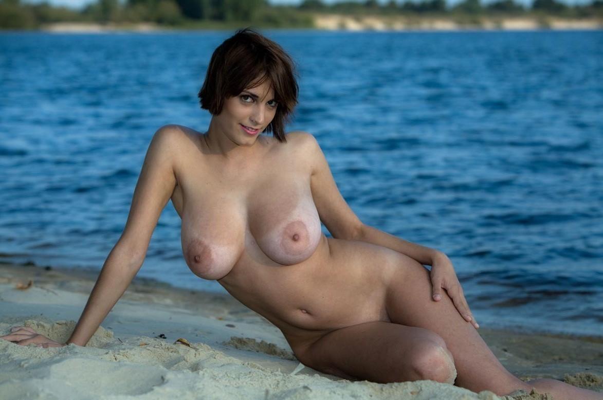 Helena Karel For Guts Magazine France Nude Women