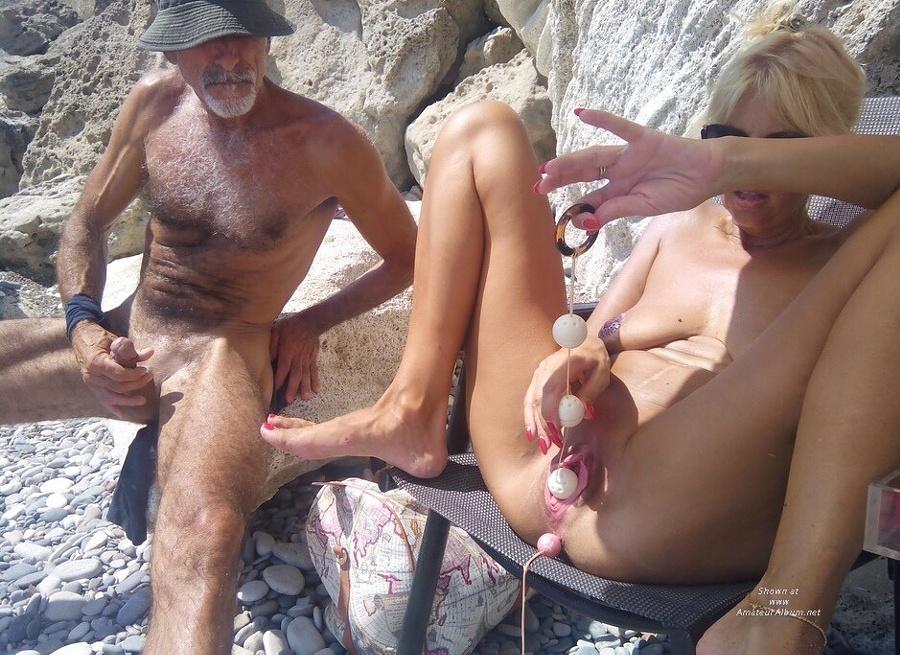 Секс на пляже - компиляция 6
