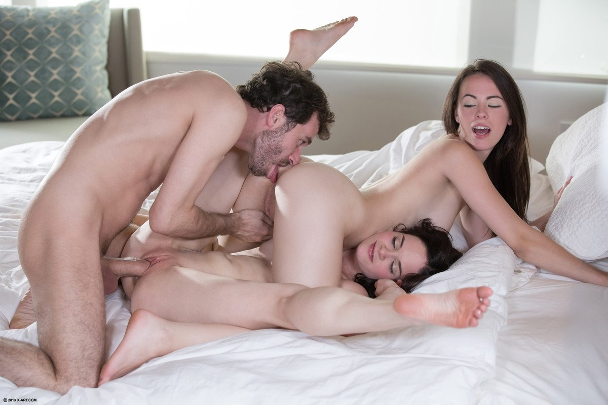 Gyönyörű Vörös Hajú Tinik Orgiát Tartanak - Online szex videók pornó film