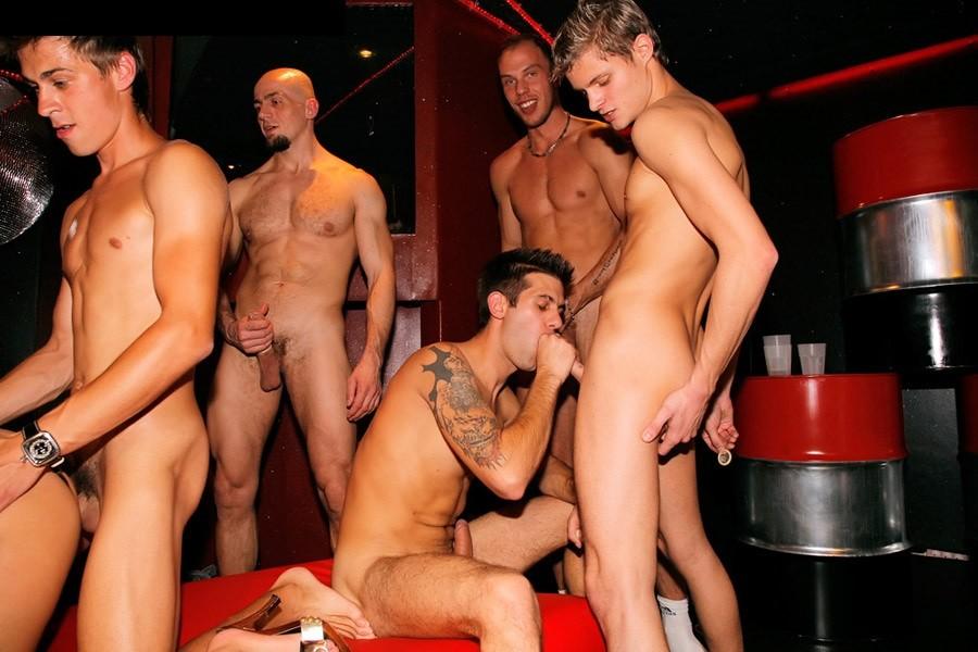 Кастинг в порно клуб бисексуалов 6