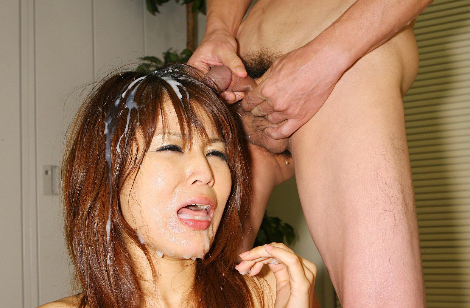Секс обкончали японку семенович мастурбирует