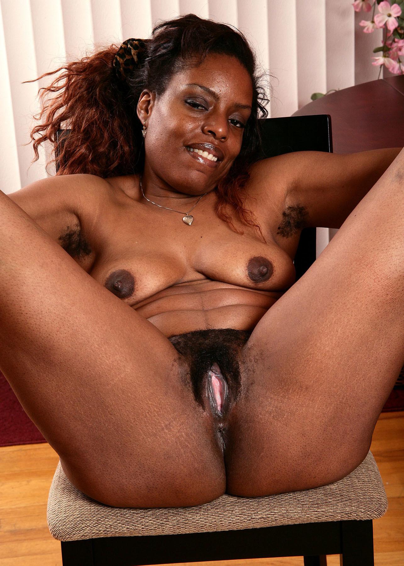 Секс горячим волосатая негритянка #13