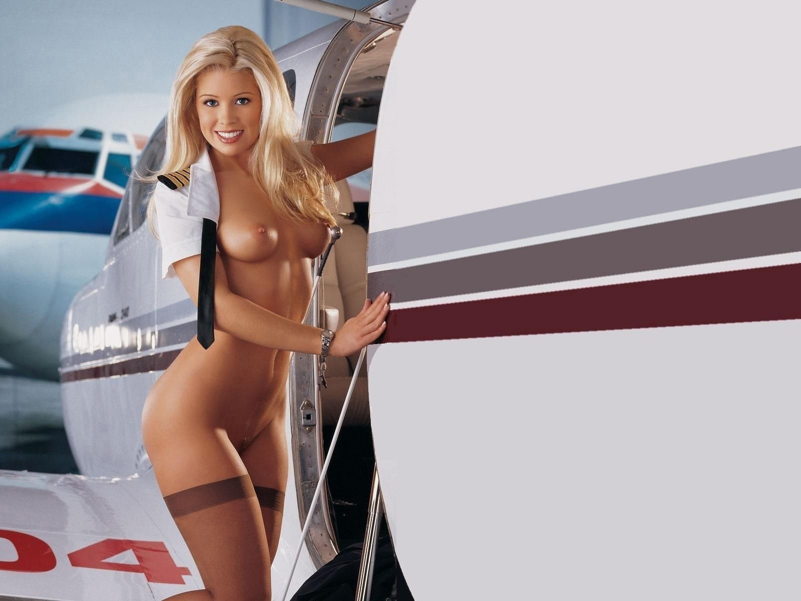 hot-nude-airline-mobile-latina-xxx