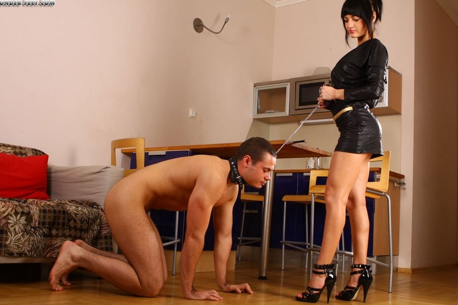 Голые мужчины и женщины в одежде - Фото галерея 868170