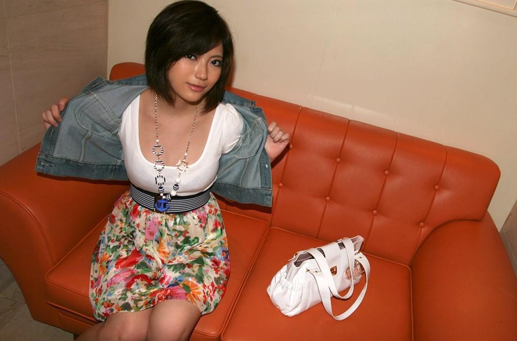 Красивая азиатка Норика