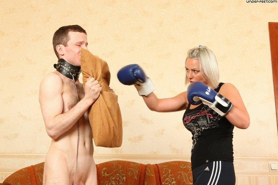 Голые мужчины и женщины в одежде - Фото галерея 866867