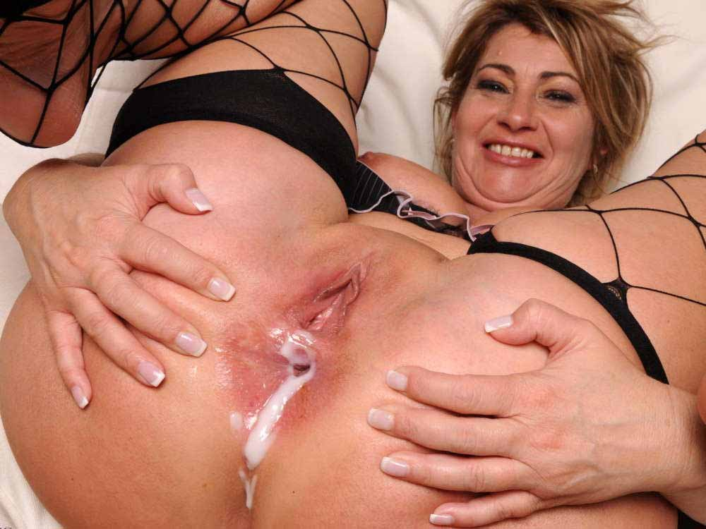 Cathy loves cum in her pussy
