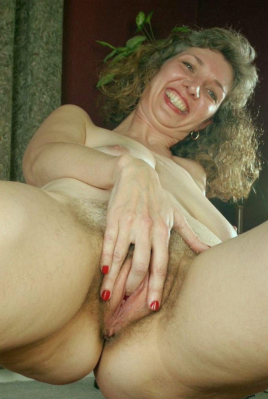 free-mature-hairy-pussy-solo-masturbating