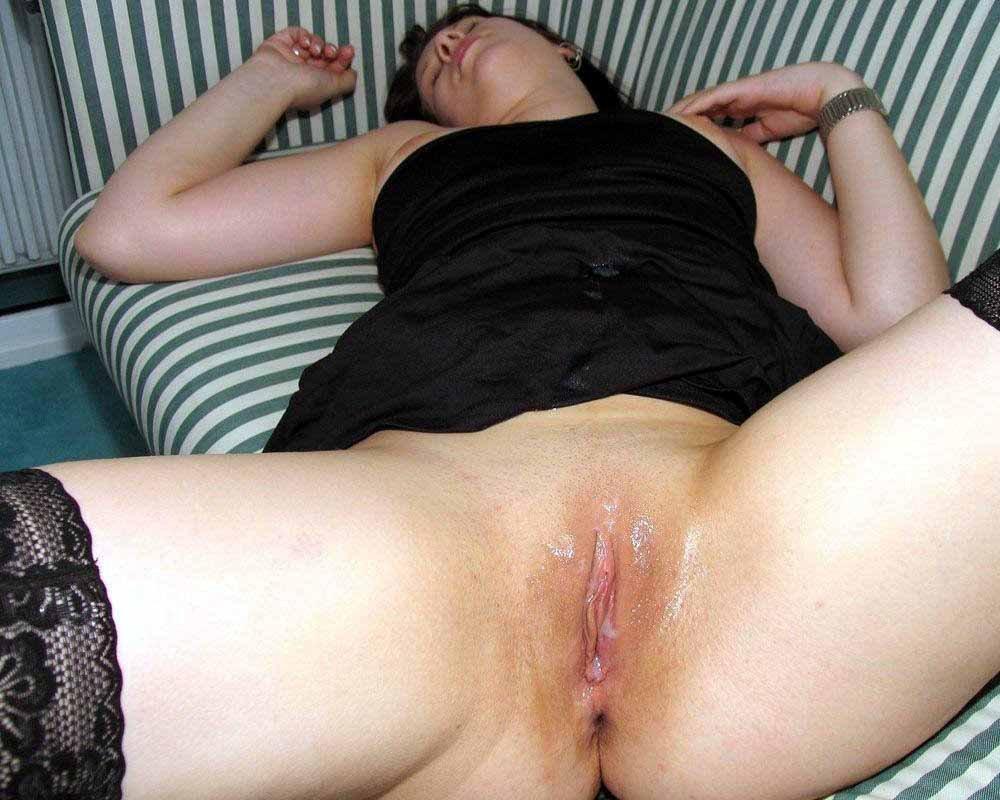 Кончил на киску спящей девушке фото 7