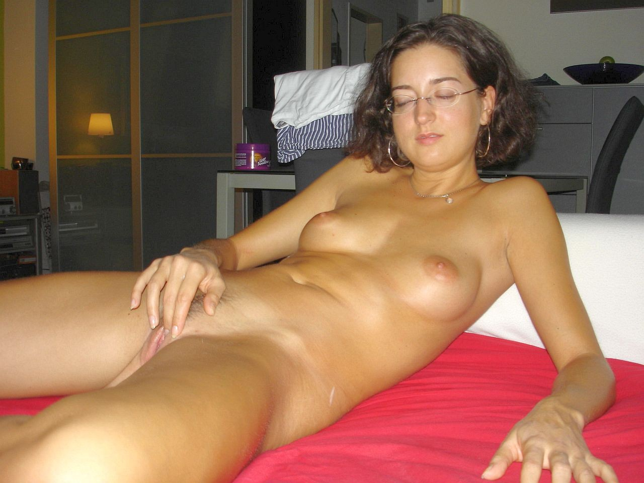 Hot amature nude women, cumshot taylor swift nude