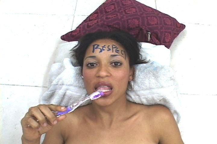 Чистка зубов спермой - Фото галерея 405191