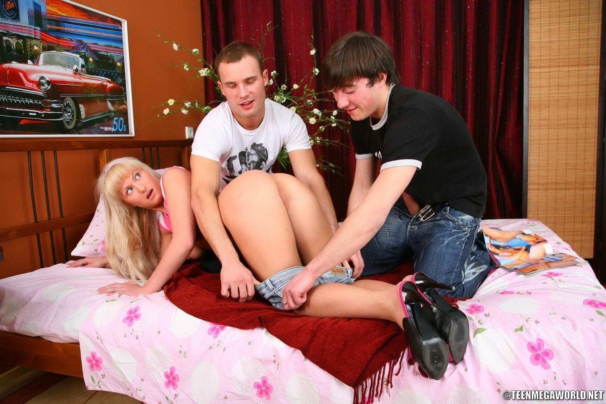 Сперма на одежде - Фото галерея 1014303