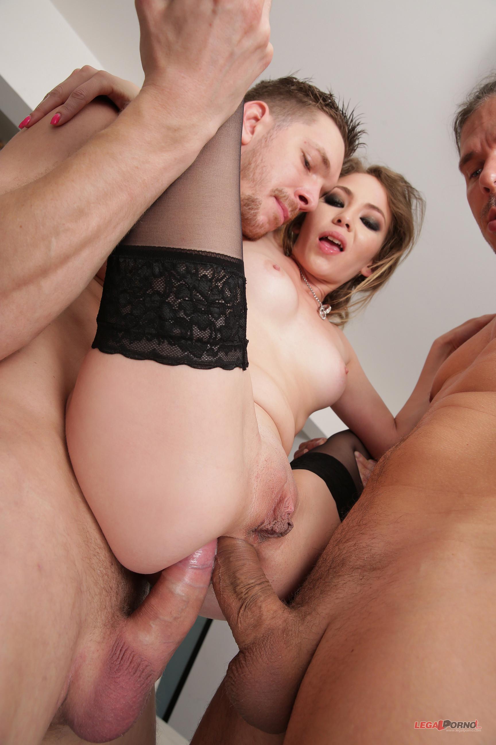 Slutty ass gape and a double penetration
