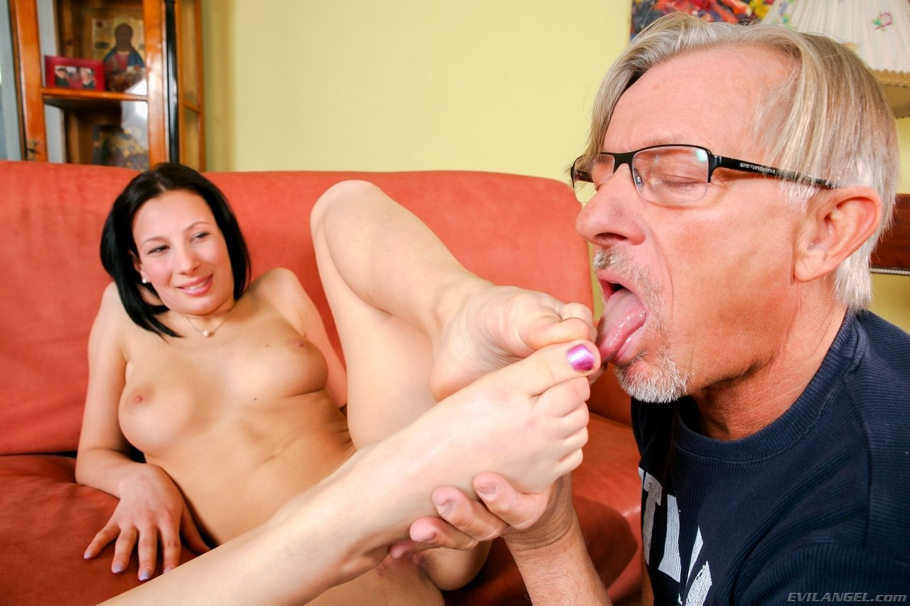 Сперма на ножках - Фото галерея 900643