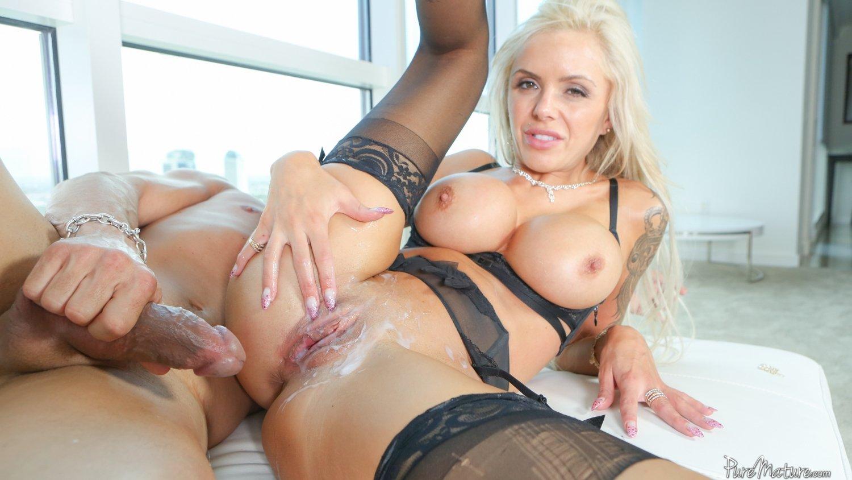 Big Tit Blonde Milf Creampie