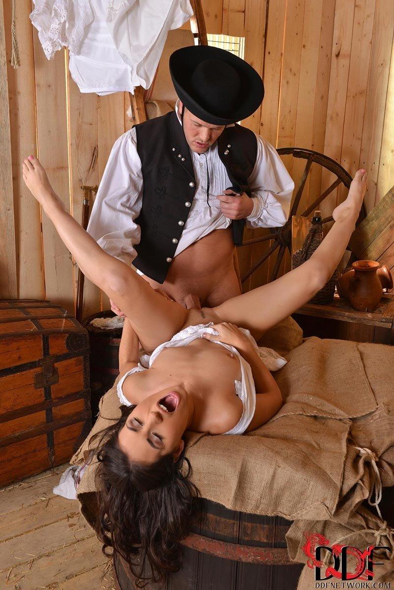 портале большой развлечения барина с крестьянками порно любимое место
