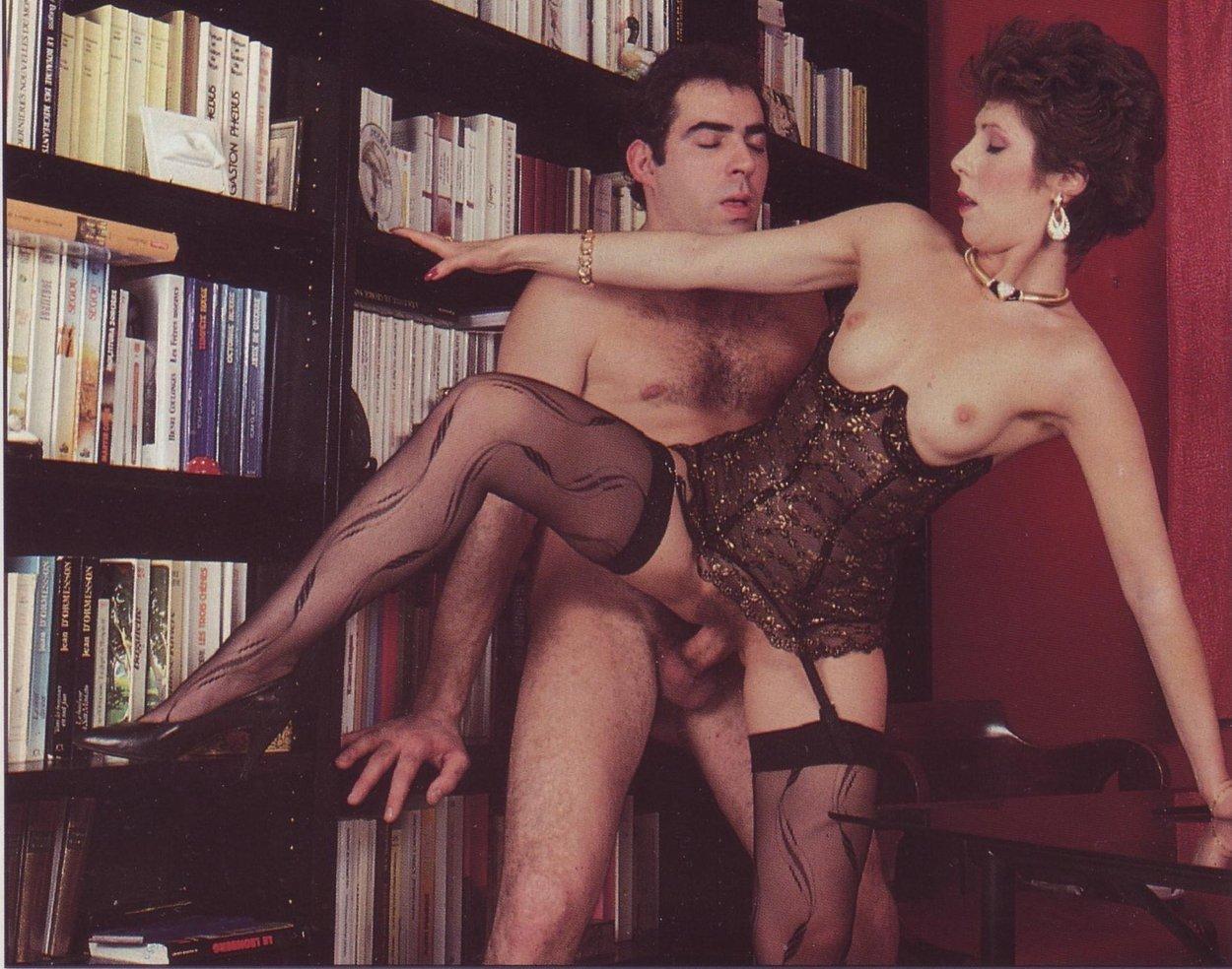 Ретро трах в библиотеке