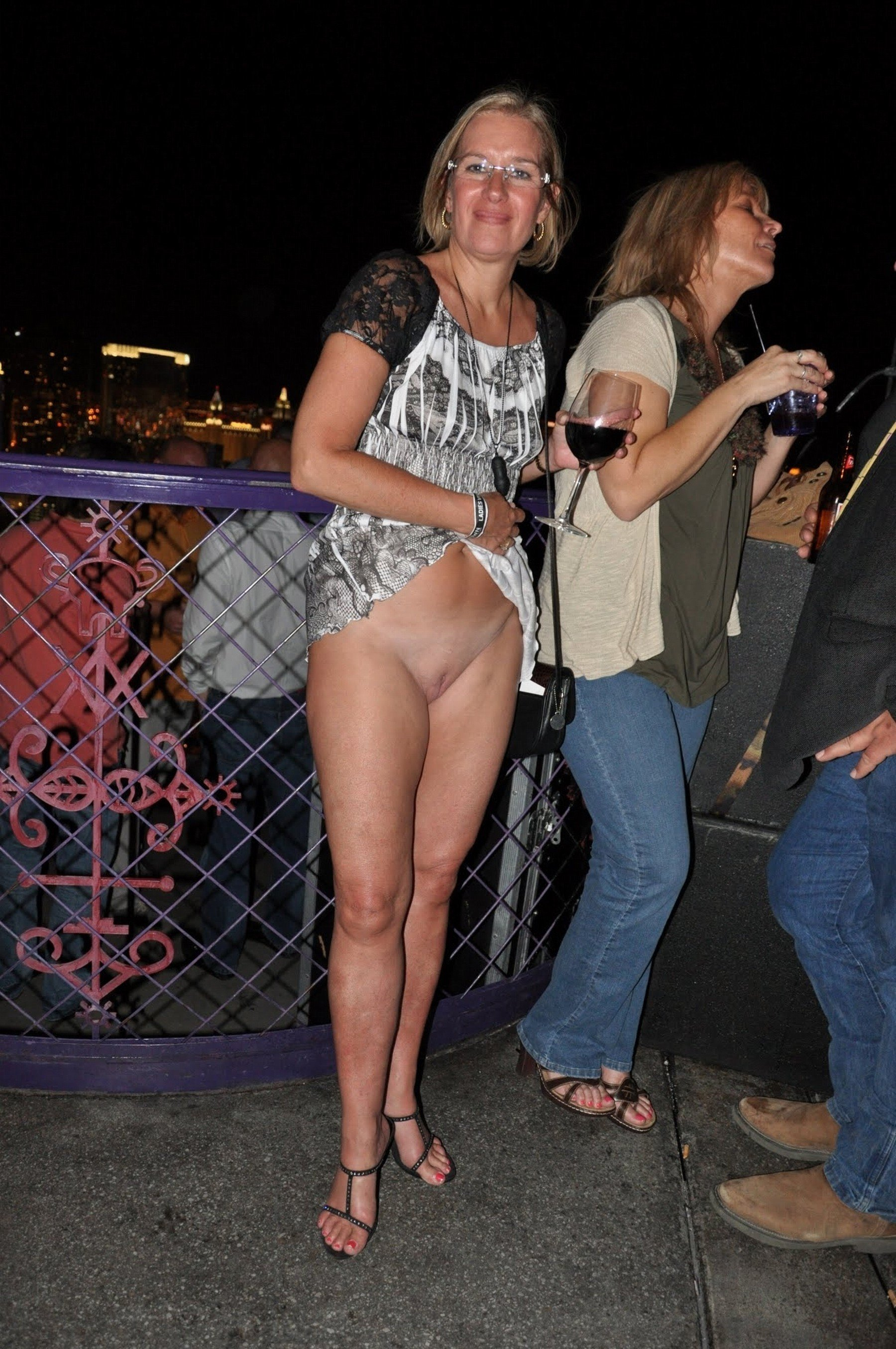 extreme-cumshots-oops-naked-public-blonde-nude