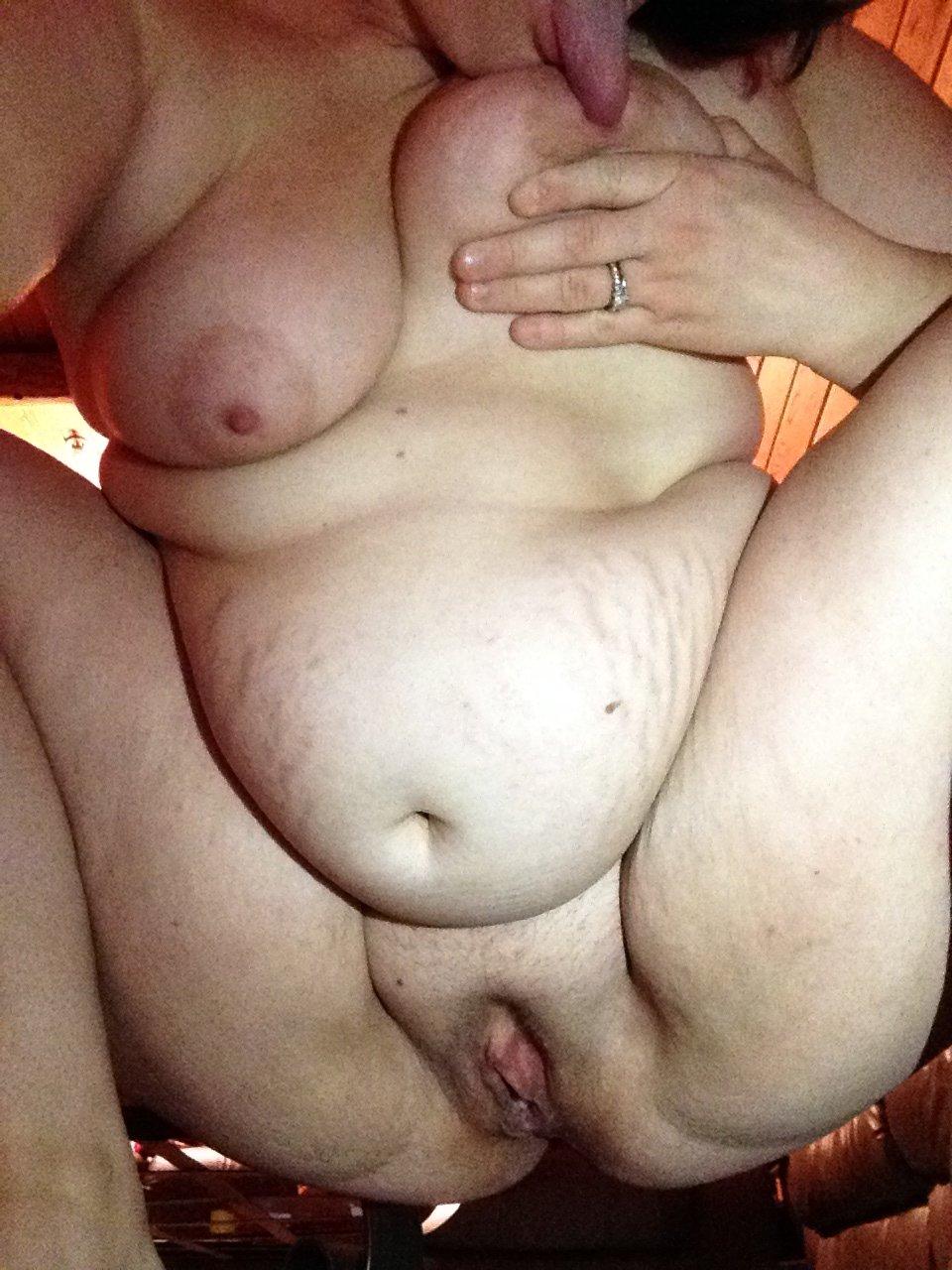 Порно толстушки дрочат сами себе — 2