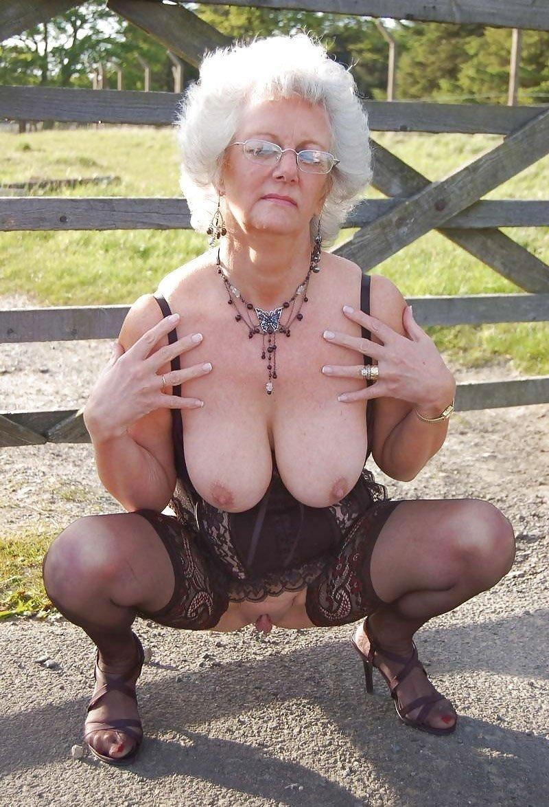 Granny tits pics