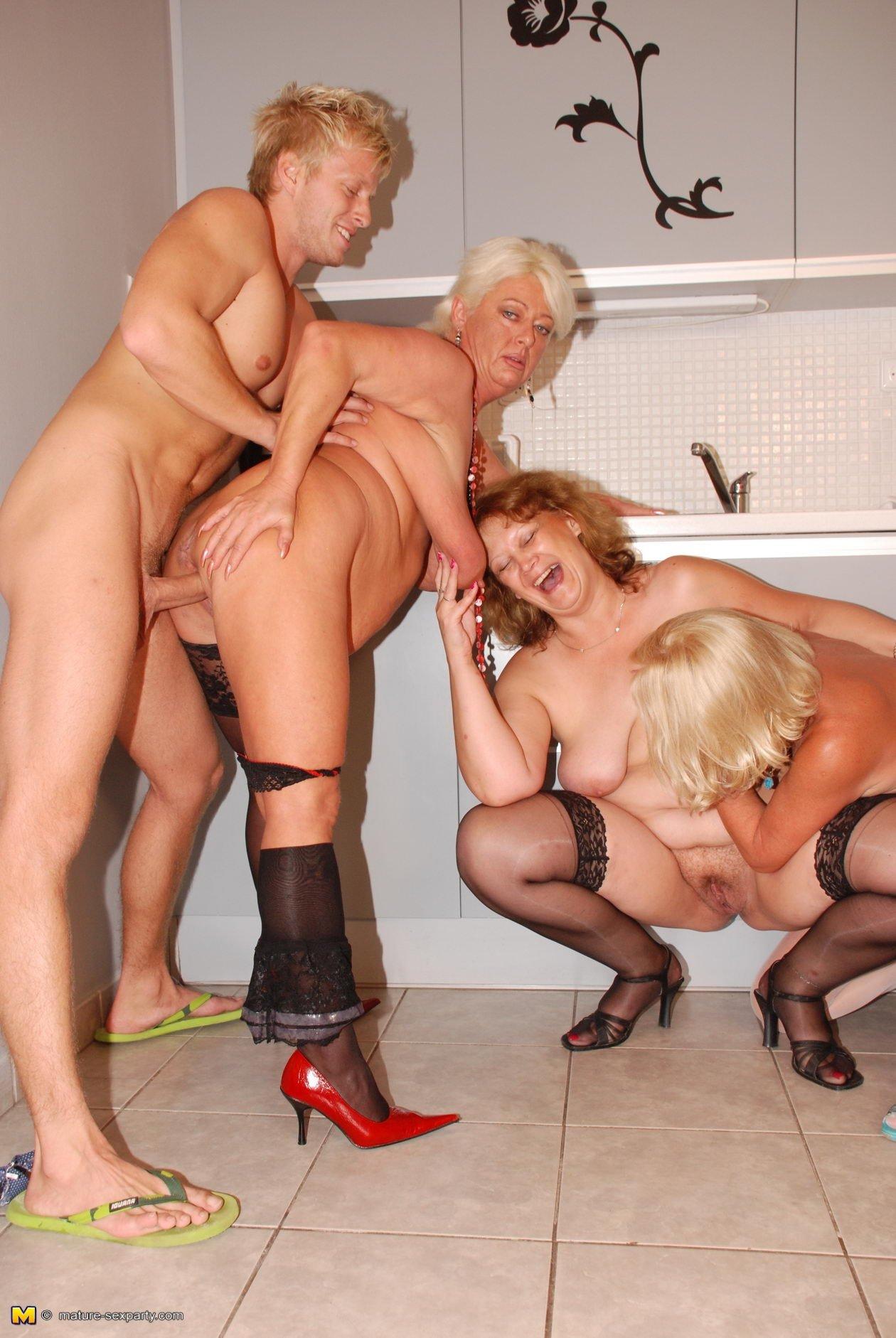 групповуха женщины в возрасте - 12