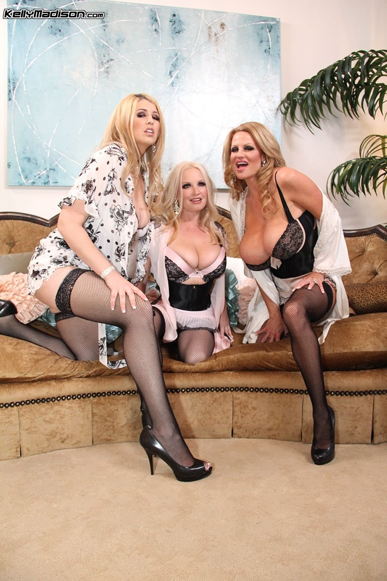ЖЖЖМ (три женщины и мужчина) - Фото галерея 905435