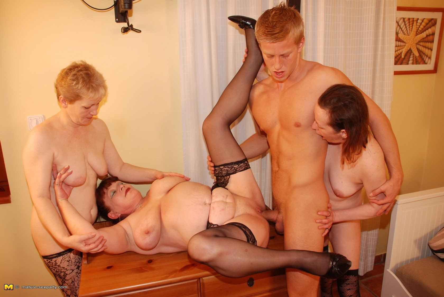 Mature mom for sex 14