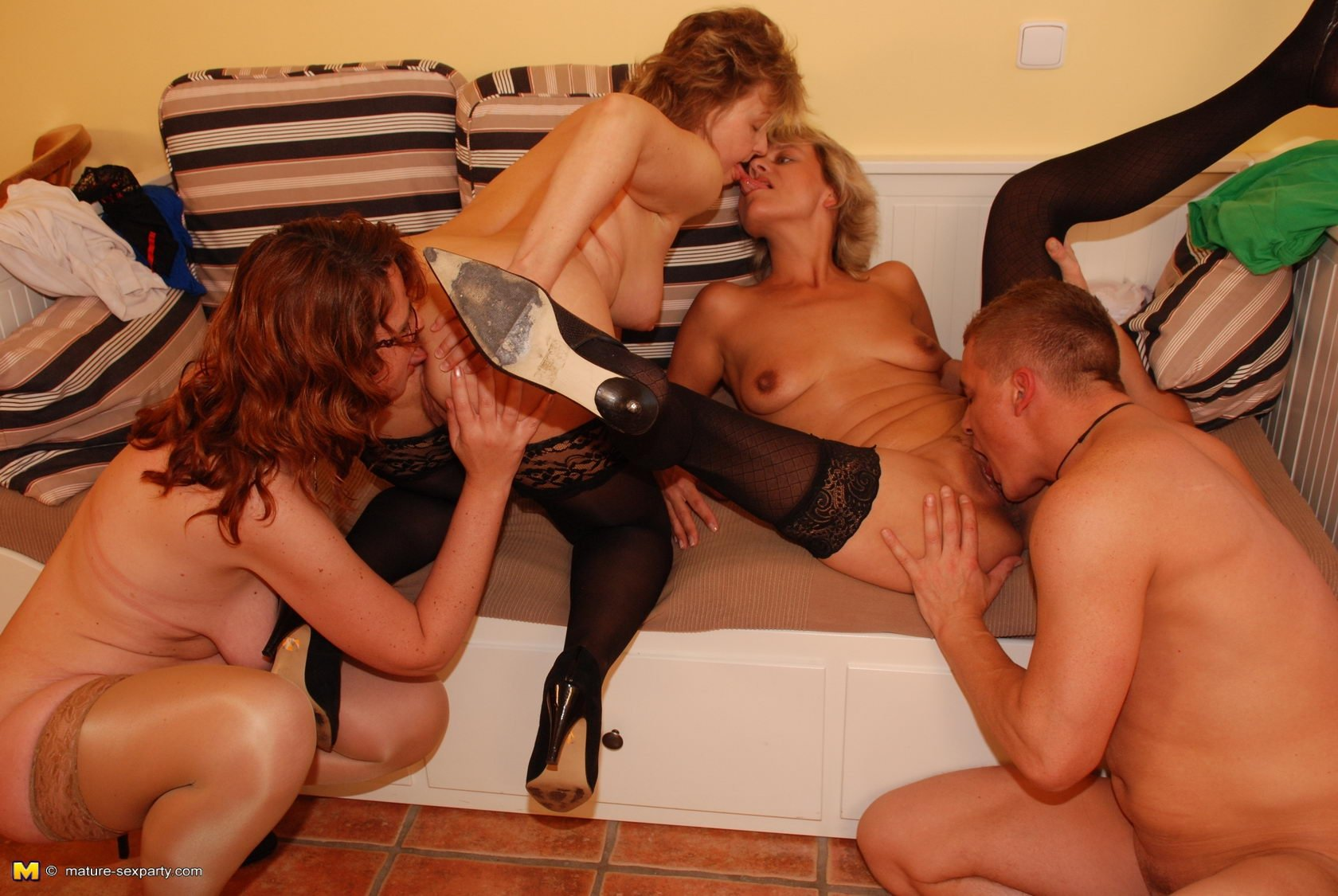 фото зрелые секс группа - 5