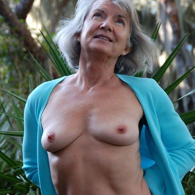 hot-sexy-old-woman-photo
