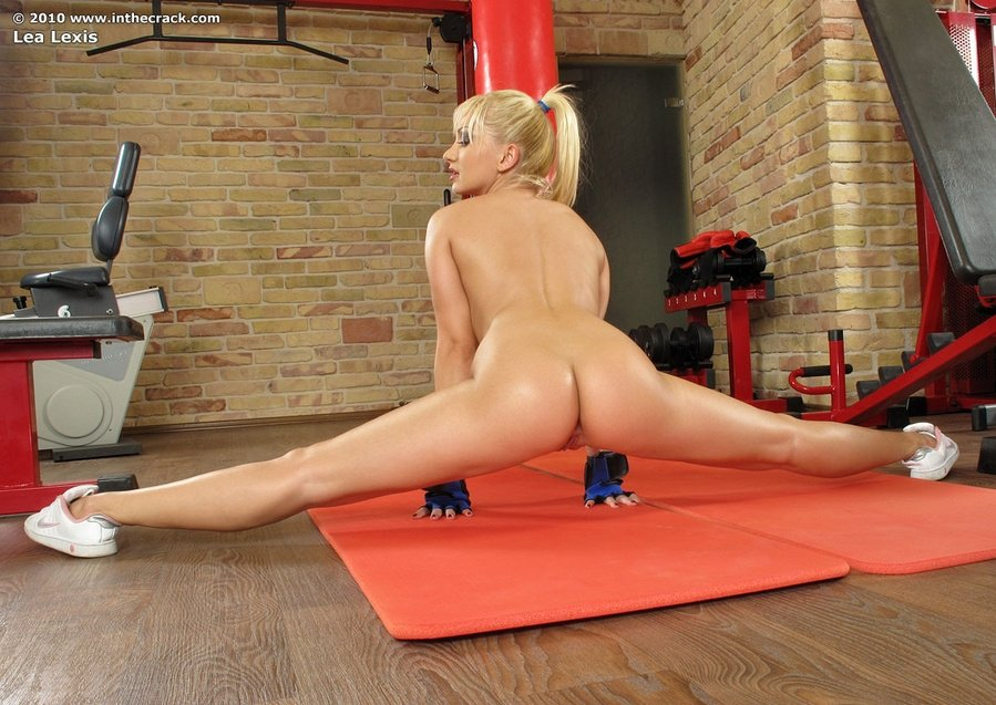 splits-while-naked