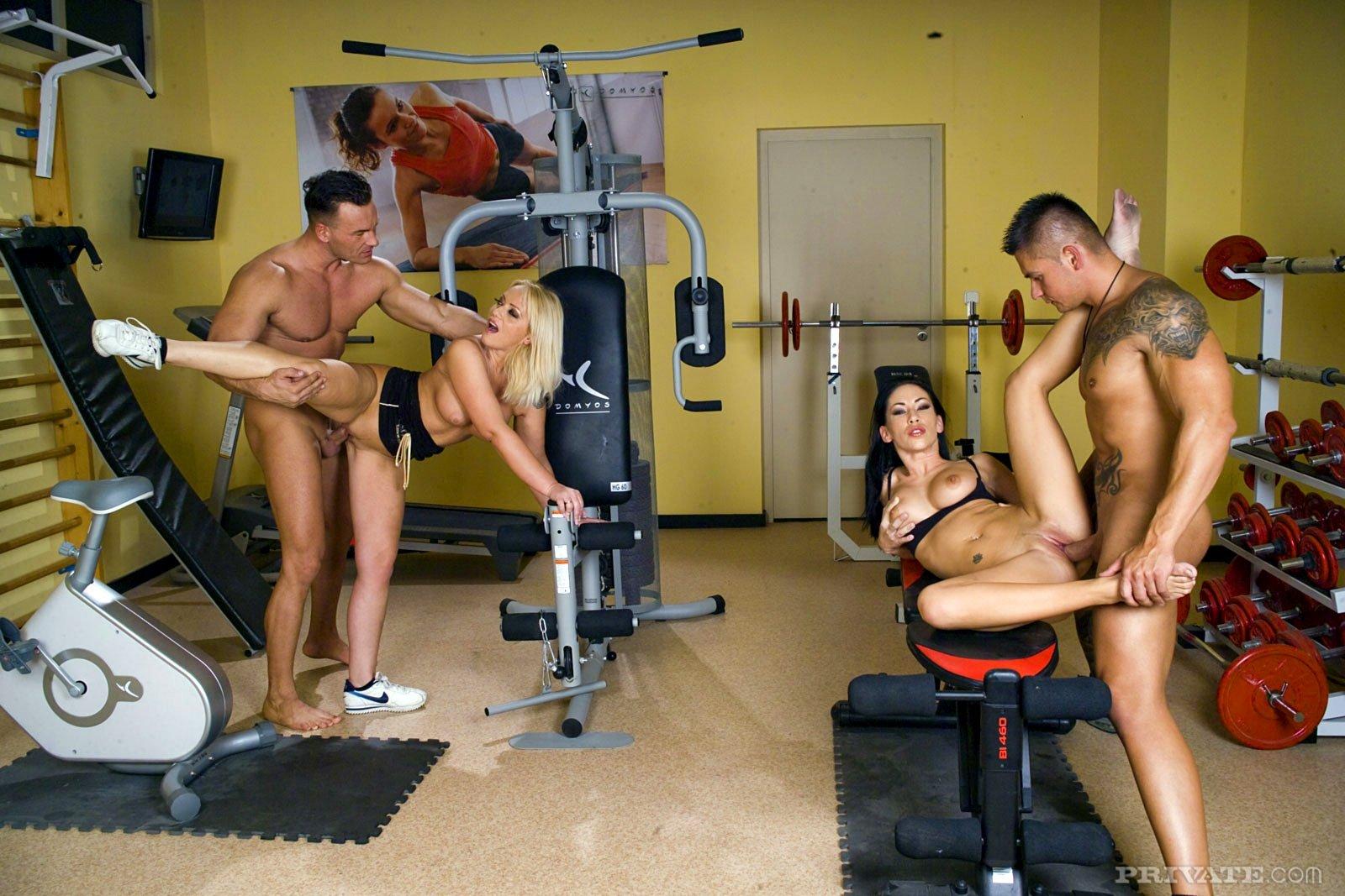 Дрочка в спортзалах — pic 4