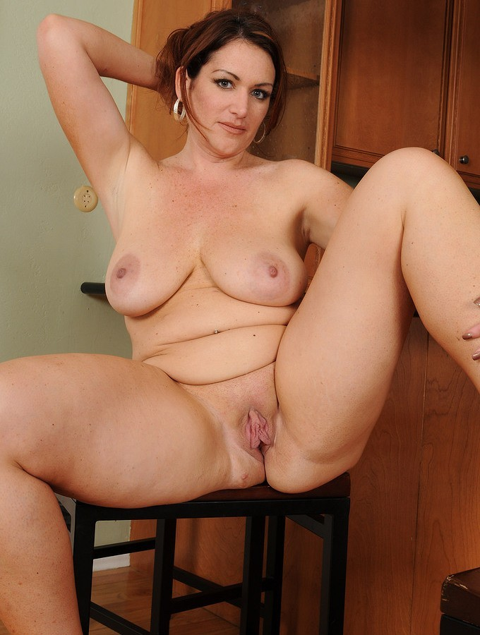 thick-milf-naked-young-bangla-sex-hot-vedeo