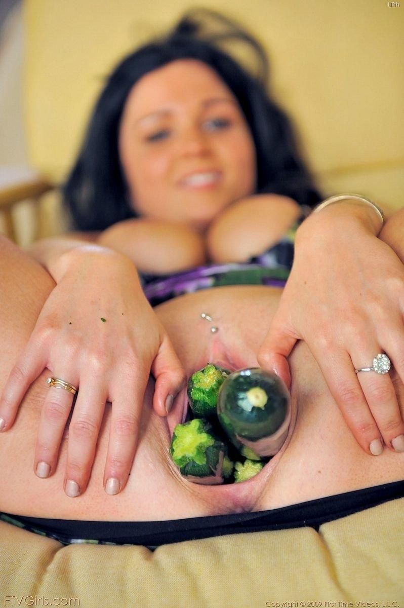 Эротика фото с овощами тем, что