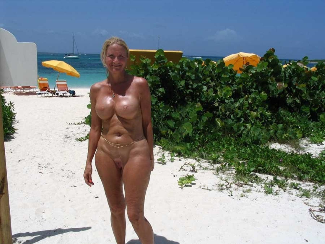 wife-nude-at-hedo-pics
