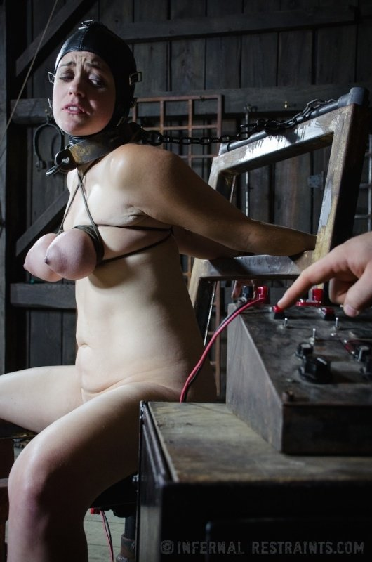 sexy-girl-restraints-nude