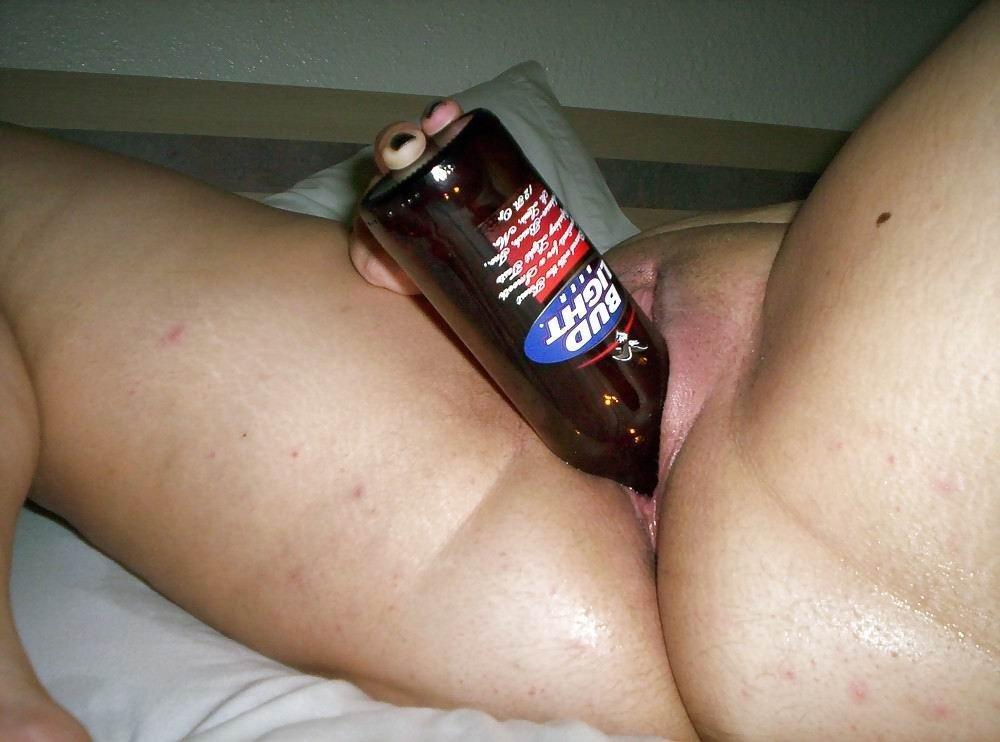 Зачем вы девушки, бутылки любите?