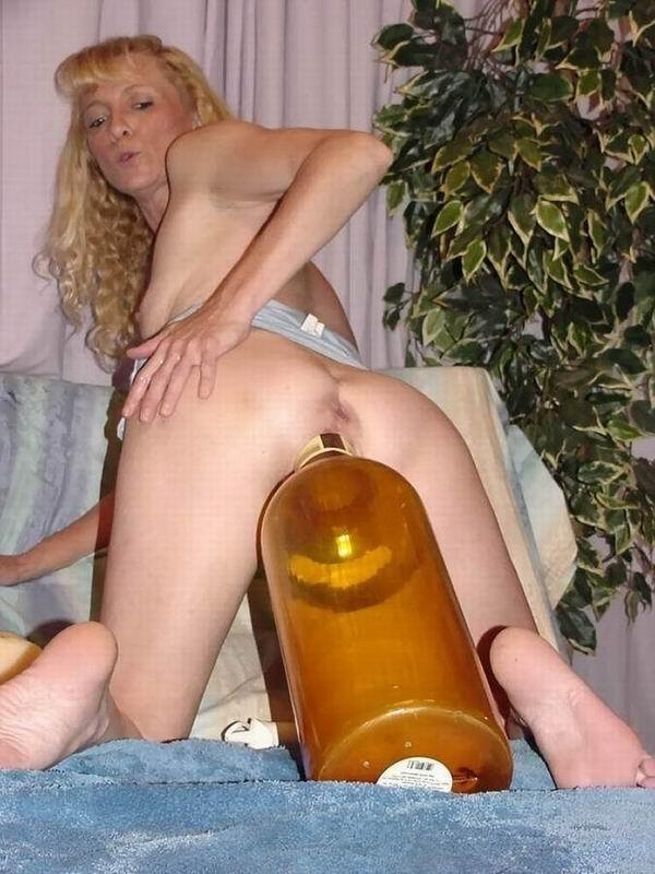 як проститутка пихает себе в пизду бутылку от вина категорию там будут