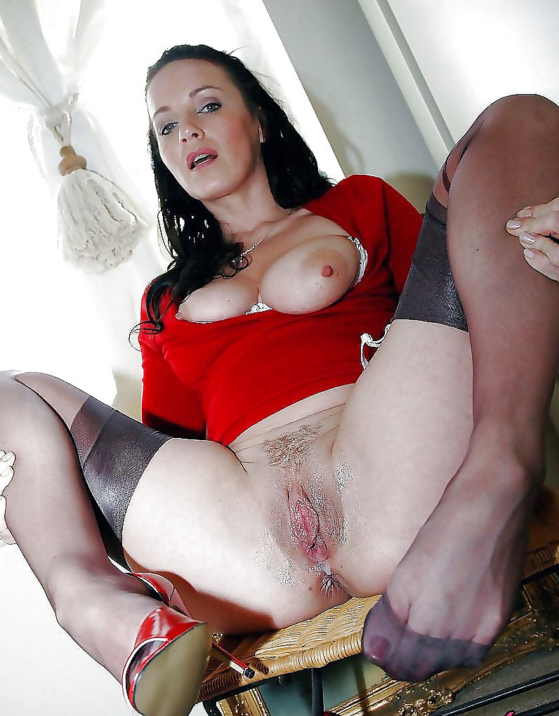 brunette-milf-tube