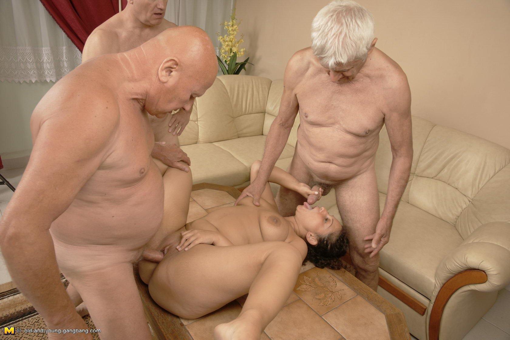 Зрелые мужики пенсионеры или пожилые