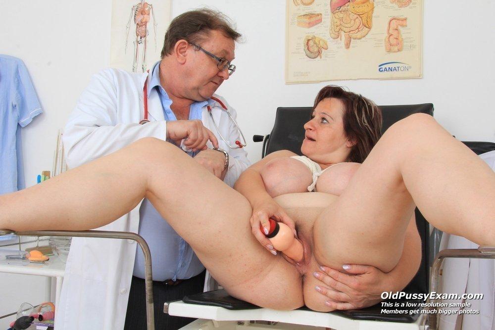 zhena-i-ginekolog-porno-chitat-na-ulitse-russkie-sosut-huy-video