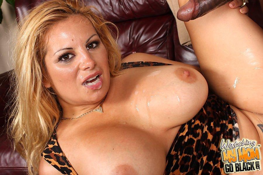 Порно с линдой легких, фото обнаженных сисек