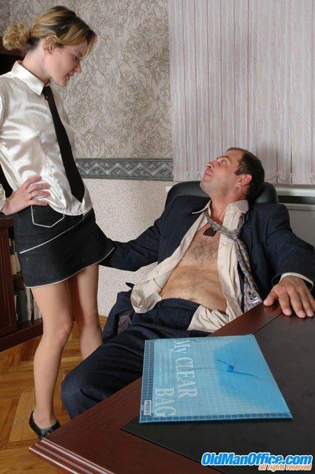 Секс с пожилым мужчиной - Фото галерея 103943