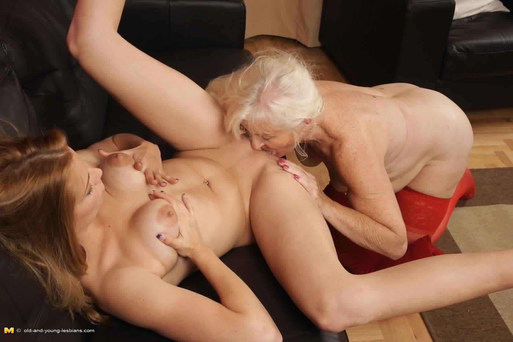 Young and mature horny lesbians — photo 3