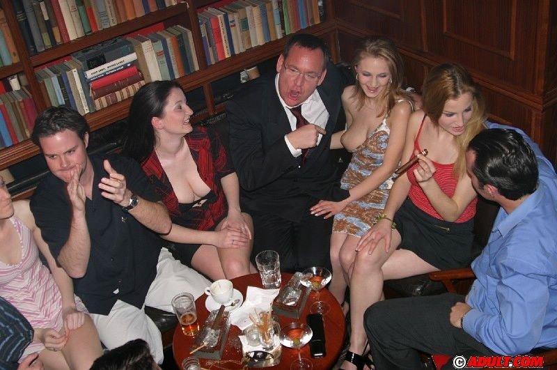 Пьяную няню вику ебут на вечеринке смотреть онлайн