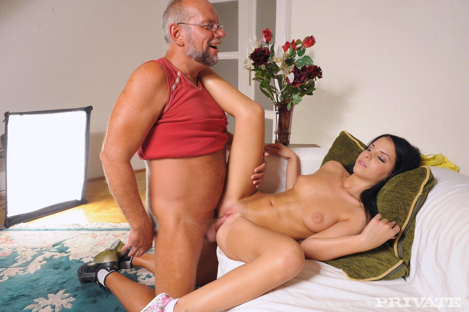 Секс Мужчина Постарше Молодая