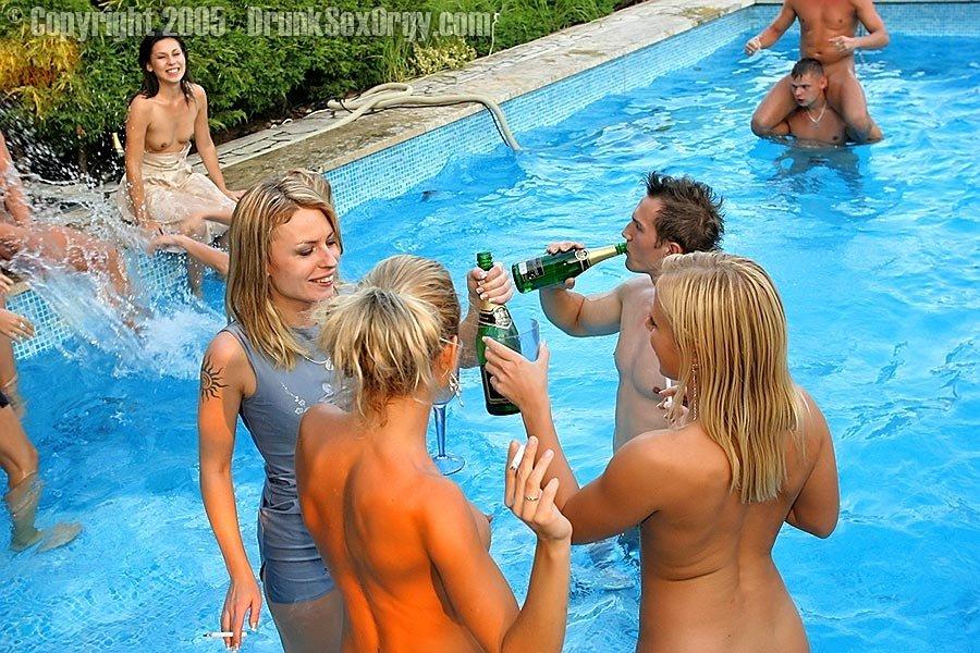 Пьяная секс вечеринка - Фото галерея 288489