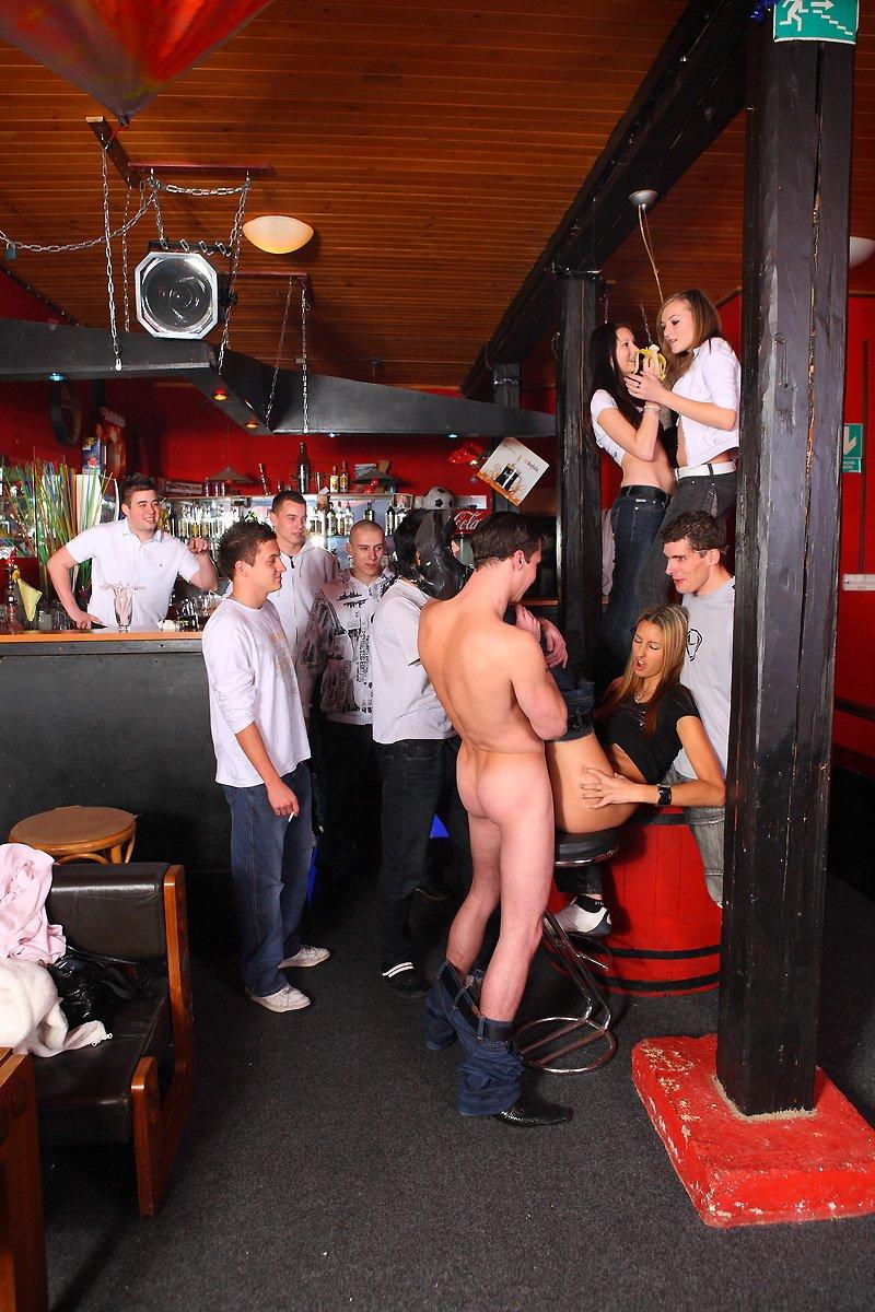 говоря,посмотрев фото порно стриптиз бары как казался